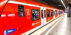 Paar hat Sex in S-Bahn, hält kompletten Zugverkehr auf