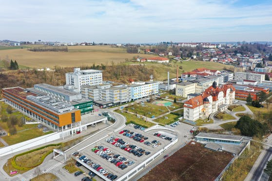 Der Bursch wurde im Klinikum in Steyr behandelt.