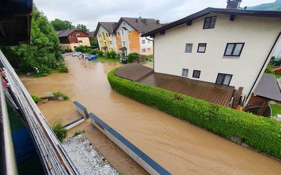 In Eugendorf (Salzburg) war das Hochwasser nicht zu übersehen.