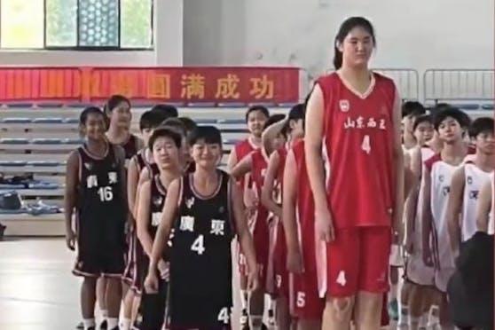 Zhang Ziyu überragt alle ihre Mitspielerinnen