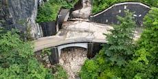 Bergretter bei Sicherungsarbeiten wegen Mure verletzt