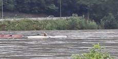 Feuerwehr rettete Familie im Kajak aus Hochwasser