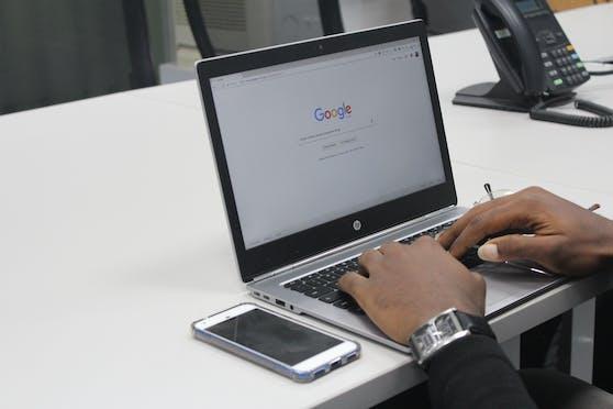 Nutzer:innen können ab sofort eine weitere Verifizierung einrichten, die abgefragt wird, bevor auf den gesamten Suchverlauf zugegriffen werden kann.