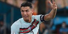 Warum in der Barca-Kabine ein Ronaldo-Poster hängt