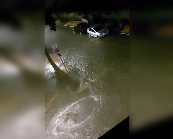 In Deutsch-Wagram waren die Straßen überflutet.