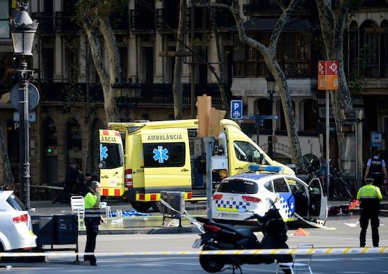 In Marbella (Spanien) musste die Rettung und die Polizei ausrücken, weil ein Pkw in eine Menschenmenge gerast ist. Symbolbild.