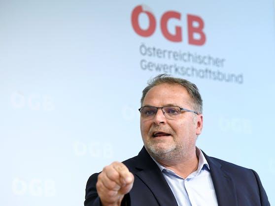 """Der Leitende Sekretär des ÖGB Willi Mernyi ist über die Kürzungen für das Projekt """"Asoarba"""" erzürnt."""
