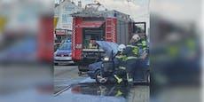 Auto beginnt auf Wiener Bim-Gleisen zu brennen