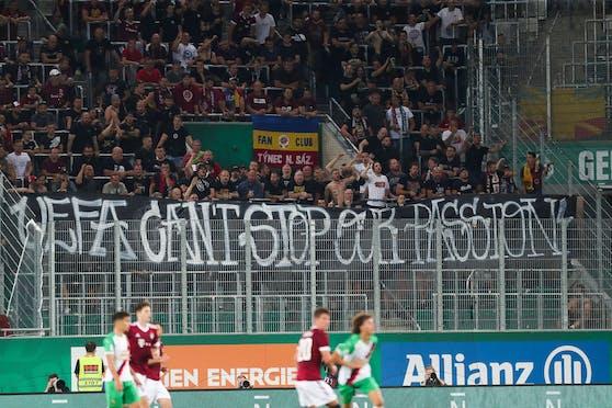 Auch die Sparta-Fans protestierten gegen die UEFA