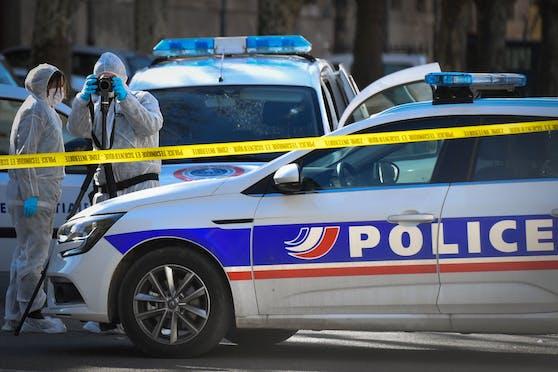 Polizeikräfte im Einsatz in der französischen Gemeinde Tarascon. Archivbild