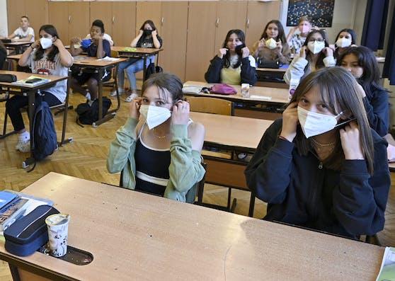 Wo nötig, soll die Maskenpflicht in die Klassen zurückkehren.