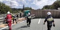 Totalsperre nach Lkw-Crash auf A2 – Helfer verletzt