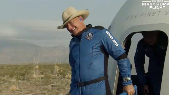 """Am Dienstagnachmittag kurz nach 15 Uhr MEZ flog Jeff Bezos auf dem Raumschiff """"New Shephard"""" ins All."""