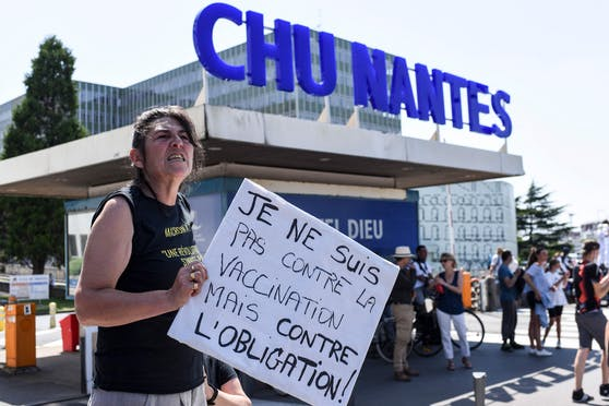 Demonstrationen in Frankreich nach Verschärfung der Maßnahmen aufgrund der Verbreitung der Delta-Variante.