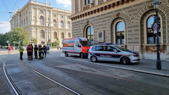 Die Polizei, Feuerwehr und Rettung waren vor Ort.