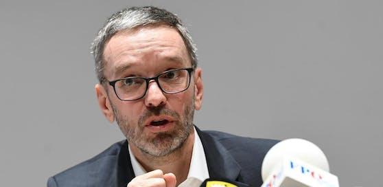 FPÖ-Klubobmann Herbert Kickl hat viele Fragen an die Regierung und fordert Antworten.