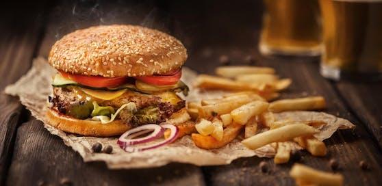 Der 47-Jährige spuckte auf das Essen der Restaurant-Gäste