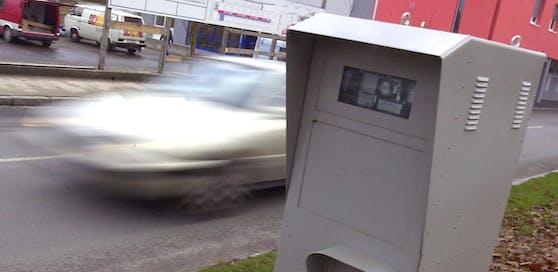 """Die Radarboxen hatten seit ihrer Einführung in Freistadt kein Erbarmen mit Rasern: 700 mal """"blitzten"""" die Geräte Autofahrer in nur zwei Wochen. (Symbolbild)."""