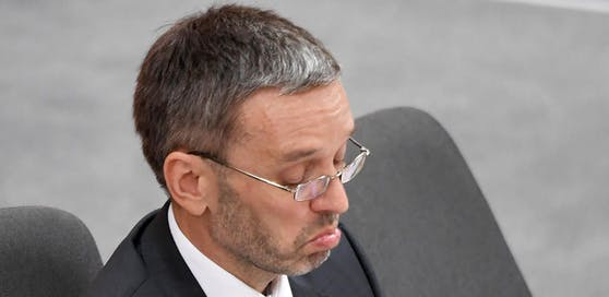 Innenminister Herbert Kickl (FPÖ) bei einer Sondersitzung des Nationalrates