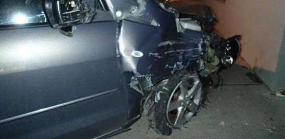 Der Alko-Lenker demolierte auf seiner Fahrt mehrere Autos.