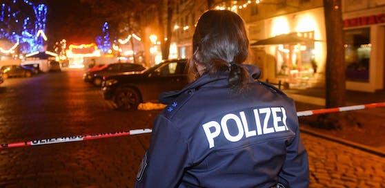 Als die Polizisten einschritten, wurden sie ebenfalls begrapscht. Symbolfoto.