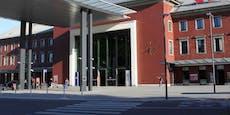 Polizei entdeckt blutüberströmtes Opfer in Bahnhofsnähe