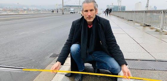Ist der Radweg mit 85 Zentimetern breite zu schmal? Lorenz Potocnik lässt das jetzt rechtlich prüfen.