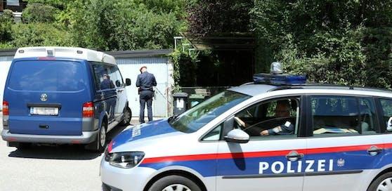 Ein betagtes Ehepaar wurde in seinem brennenden Haus in Linz vor zwei Monaten tot aufgefunden.