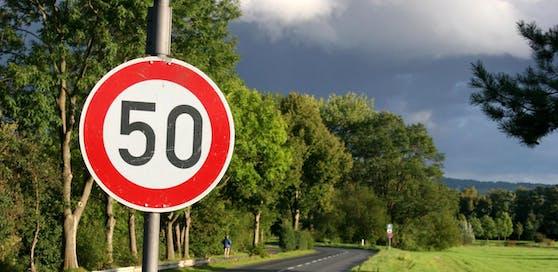 Mit Tempo 59 ist jetzt endgültig Schluss! Autofahrer müssen zahlen.