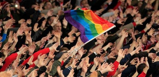 Homophobie soll aus den Stadien verschwinden