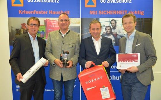 Josef Lindner (OÖ Zivilschutz-Geschäftsführer), Alexander Nerat (Zivilschutz-Vizepräsident), Michael Hammer (OÖ-Zivilschutz-Präsident) und Paul Eiselsberg (IMAS) präsentierten am Dienstag die Zahlen der Umfrage.