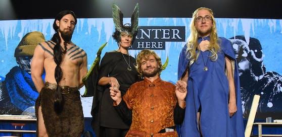"""Martin Moder, Dr. Elisabeth Oberzaucher, Martin Puntigam und Dr. Florian Freistetter im """"Game of Thrones""""-Special der Science Busters"""