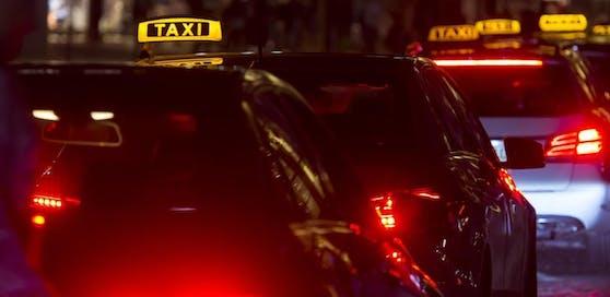 Der Taxilenker wurde bei der Attacke schwer verletzt