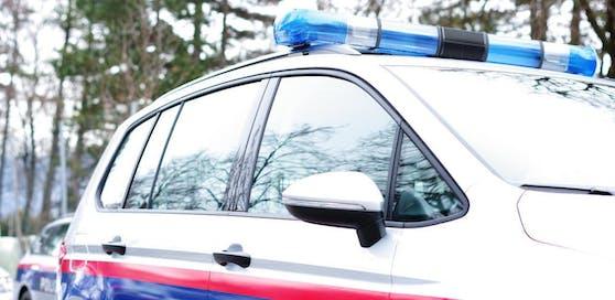 Die Polizei sicherte am Tatort Spuren.