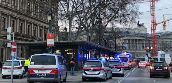 Montag um 17 Uhr kam es zu einem Unfall bei der Straßenbahnstation Dr. Karl Renner Ring.