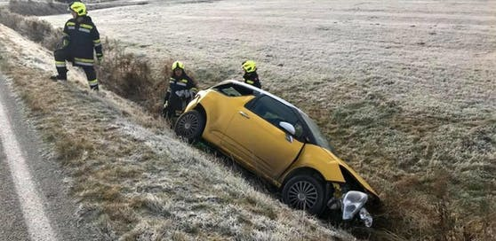 Die Florianis bargen das kaputte Auto.