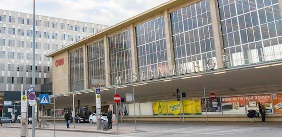 Am Westbahnhof kam es am Sonntag zu einer Messerstecherei.
