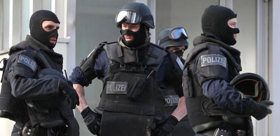 Polizisten der Cobra standen im Einsatz. Symbolbild