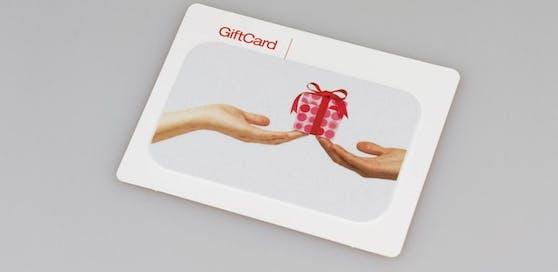 Konsumenten ärgern sich über Geschenkkarten, die nur drei Jahre gültig sind.