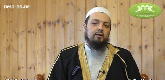 Der radikal-islamistische Prediger Sheikh Abu Anas wurde nach Wels eingeladen.