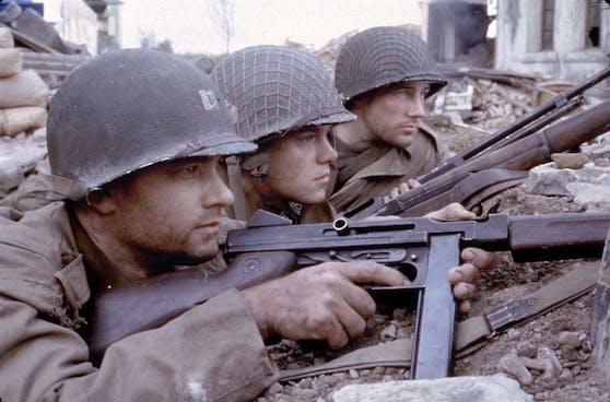 """Von links: Tom Hanks, Matt Damon und Edward Burns in """"Der Soldat James Ryan"""""""