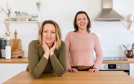 Die Autorinnen Linda Syllaba und Daniela Gaigg.