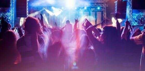 Nach einem Festival in Kroatien kamen elf junge Urlauber positiv zurück nach Österreich.