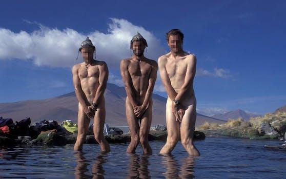 Drei Nackedeis in einer heißen Quelle des Salar de Uyuni, Bolivien. In der Schweiz sorgten Nacktwanderer in den vergangenen Jahren für Aufsehen. Symbolfoto