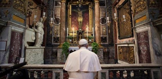 Papst Franziskus im Tageszeitung-Interview: Ich habe Gott gebeten, die Epidemie zu beenden!