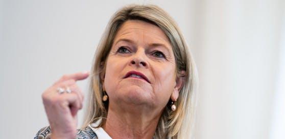 Verteidigungsministerin Klaudia Tanner (ÖVP) steht massiv in der Kritik.
