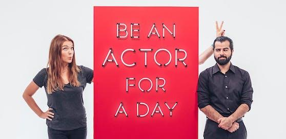 Julius Meinl und das Acting Center Tavakoli (ACT) laden zehn Teilnehmerinnen und Teilnehmer ein, ihr Talent zu entdecken: Die Coaches sind Barbara Kaudelka und Morteza Tavakoli.