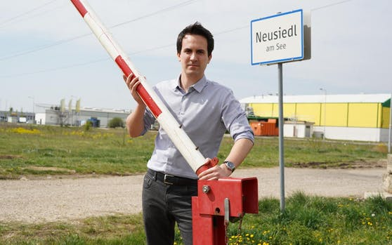 Neos-Wien-Chef Christoph Wiederkehr am Neusiedler See