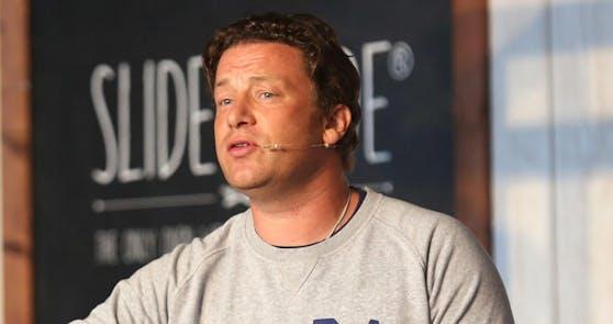Jamie Oliver kommt in Erklärungsnot.