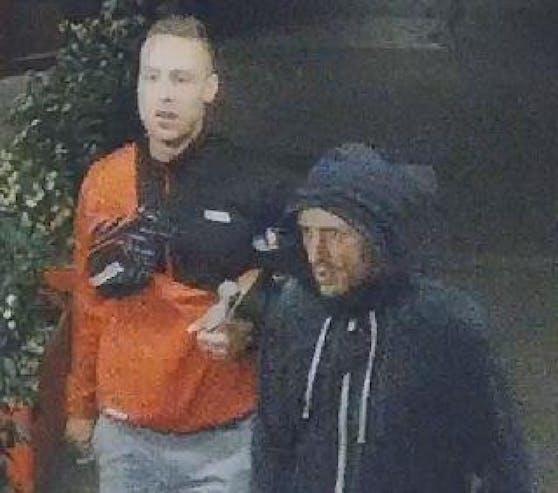 Die Wiener Polizei fahndet nach diesen beiden derzeit unbekannten Männern.